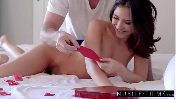 Vídeo de pornô assistir gata maravilhosa fodendo gostoso