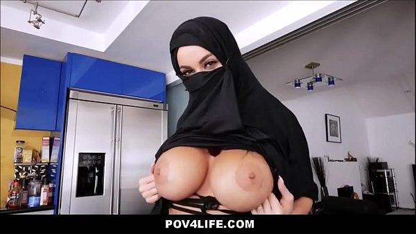 Asiste filme porno siliconada arabe trepando gostoso